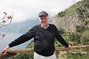 Bob Natiello, WG'56, on vacation In Italy